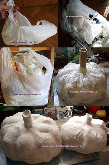 Tienes cola blanca, papel de revistas o periódicos y bolsas de plásticos para reciclar? Estos son los materiales básicos que necesitas para realizar las típicas calabazas para halloween. No te lo pienses más, ponte manos a la obra, dejo varios turoriales muy sencillo para realizar. Vía: ideasdemanualidades.com reciclartransformar Pinterest