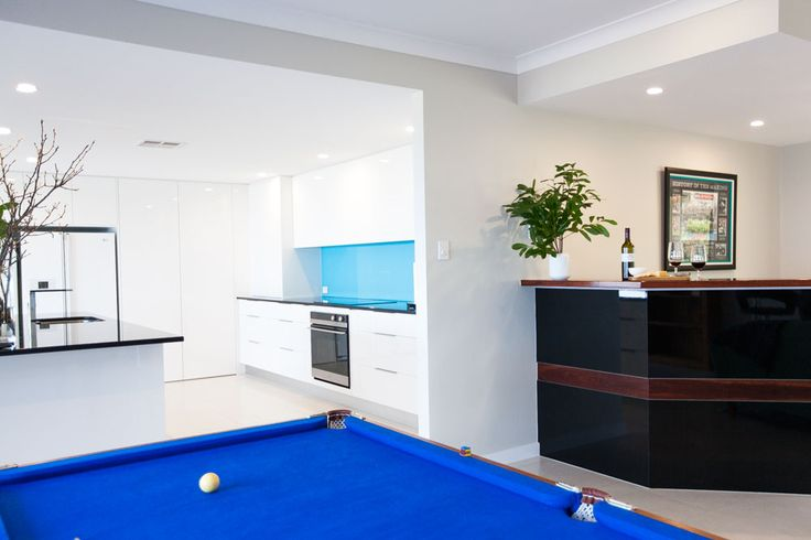 Kitchen, games and bar - open plan living - Shepperd Building Company