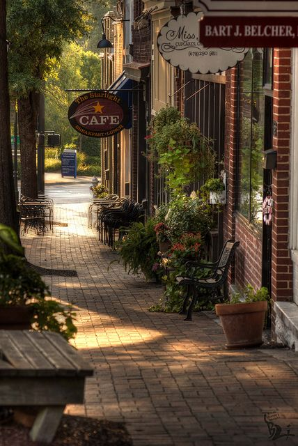 Shops On Marietta Square | Marietta Square 2011. One of my favorite places!