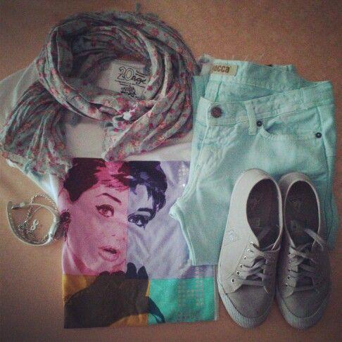 Look odierno. Aqua jeans kocca, AudreyHepburn Le coq sportif  stradivarius