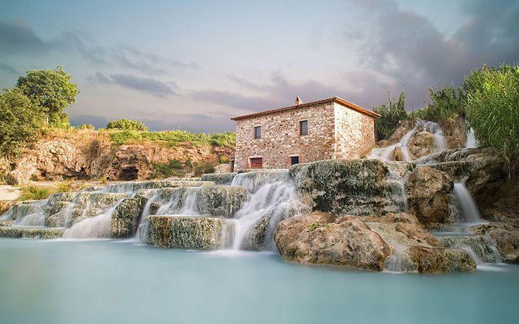 Saturnia: enchanting waterfalls, historic thermal baths and wellness paths