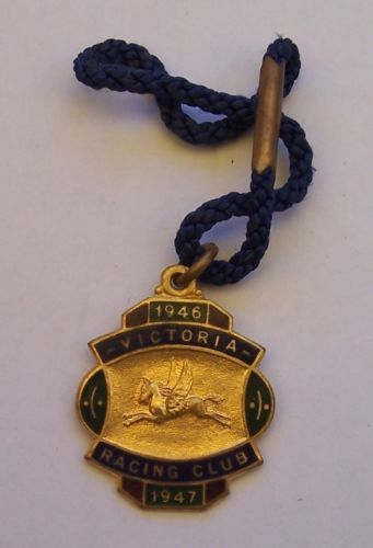 VICTORIA-RACING-CLUB-MEMBERSHIP-MEDALLION-NO-1058-1946-1947