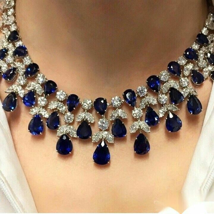 BREATHTAKING!!! DIAMOND SAPPHIRE NECKLACE