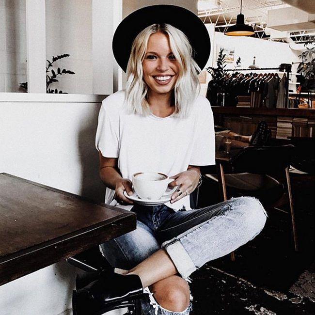 Белая футболка Armedangels и голубые гёрлфренды (сёстры бойфрендов, если кто не в курсе) James Jeans - униформа отличного настроения. Потому что в них мы чувствуем себя одновременно комфортно и красиво. Загляните к нам в JiST, подберем вам этот костюмчик счастья. 😉 Удалить комментарийjistshop#summer #fashion #outfitidea: #trendy #James #jeans & #stylish #white #tshirt create #chic & #comfy #outfit #мода #стиль #тренды #джинсы #футболка #модно #стильно #киев #новаяколлекция