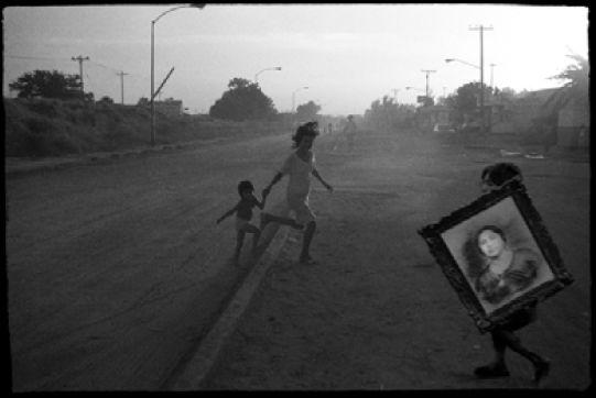 """""""El retrato de la abuela"""" - 1987/1996 - Ciudad de Madero, Tamaulipas, Mexico - Negativo b/n, 35mm, e imagen escaneada  - Imagen modificada digitalmente - Derechos reservados de todo el Web Site © Copyright 2008 Pedro Meyer"""