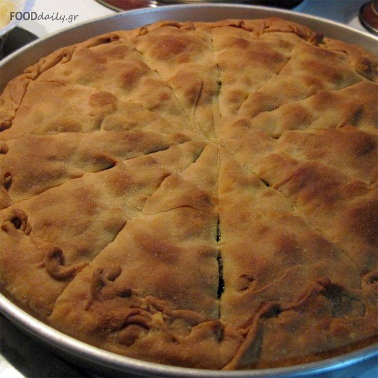 Χορτόπιτα χωριάτικη (traditional fyllo pie with herbs and spinach)
