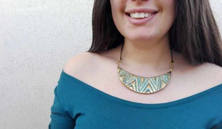 Girocollo Collana di carta turchese e oro con rilievo azteco, idea regalo per lei : Collane di celestecreazioni