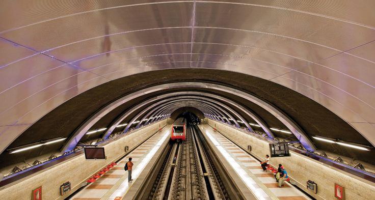 Estacion Metro..Location: Santiago Chile. Architect - Specifier: BR Arq Ltda. Product: Hunter Douglas QuadroClad System. #metro #hunter douglas