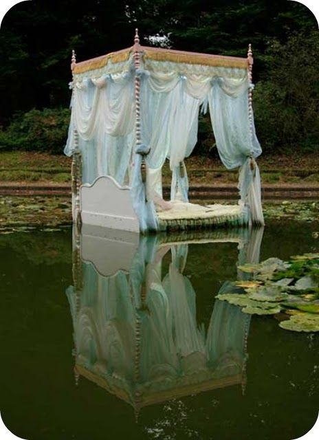 .Water, Sleep Beautiful, Dreams Beds, Princesses Beds, Lakes, Sweets Dreams, Canopies Beds, Places, Fairies Tales