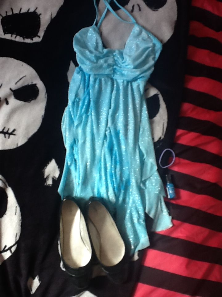 My ice blue dress for the Jewel cosplay.