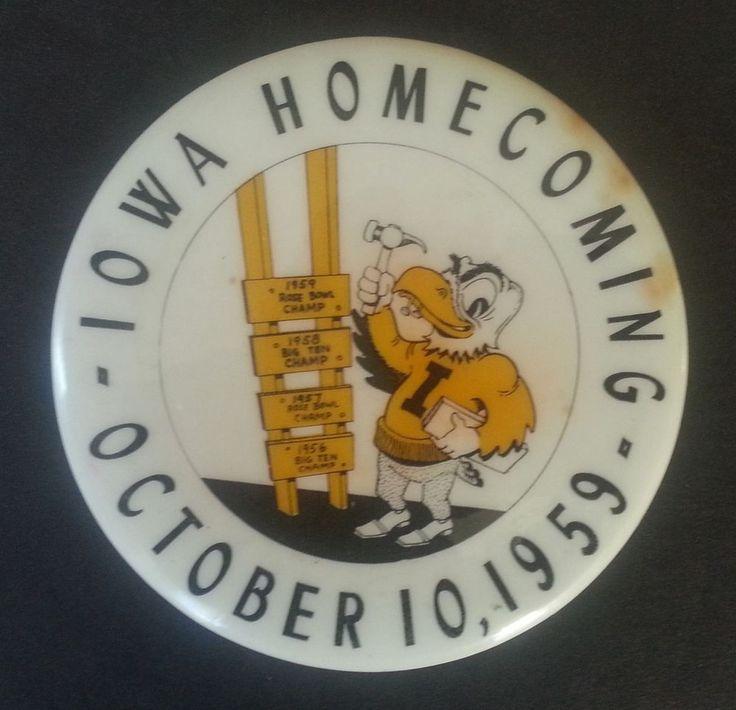IOWA HAWKEYES 1959 FOOTBALL HOMECOMING PINBACK / BUTTON