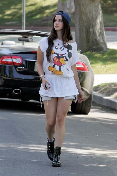 Lana Del Rey Fashion Styles
