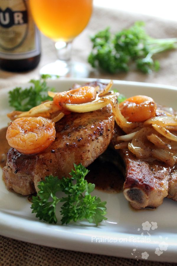 prairies on petals - food and photography: Pork chops with beer and dried apricots