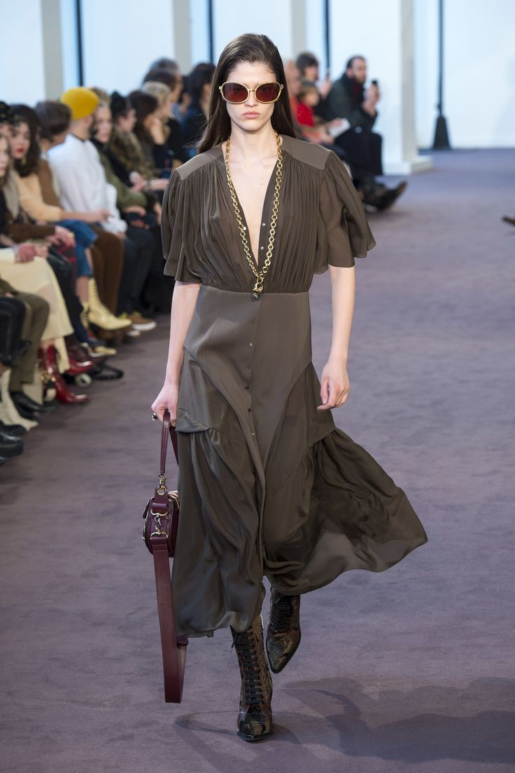 Chloé Fall 2018 Ready-to-Wear Collection - Vogue
