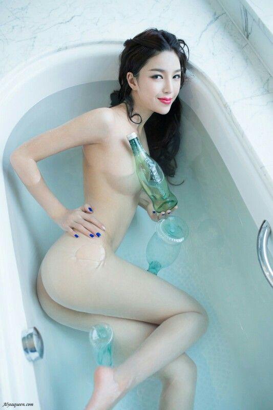 zheng jie naked