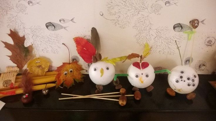 Autumn crafts together with my sister in law (an elementary school teacher) and my 2 an 3 year old. :-) the little fellow with the many eyes was made by my son, he was inspired by the big boss from Monster Inc. (the one with the spider eyes.)