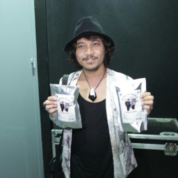Rock Star..Iman J-rock @imaninejrocks #twobrothers  #masnerugroupindonesia #lampung #yogyakarta #indonesia #artis