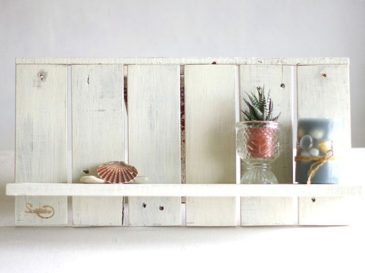 Badregale - Wandregal aus Palettenholz, weiss, Badregal,Holz - ein Designerstück von SchlueterKunstundDesign bei DaWanda