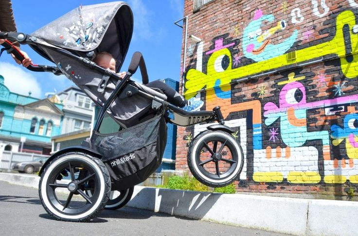phil&teds sport graffiti stroller, perfect from newborn to 25kg!