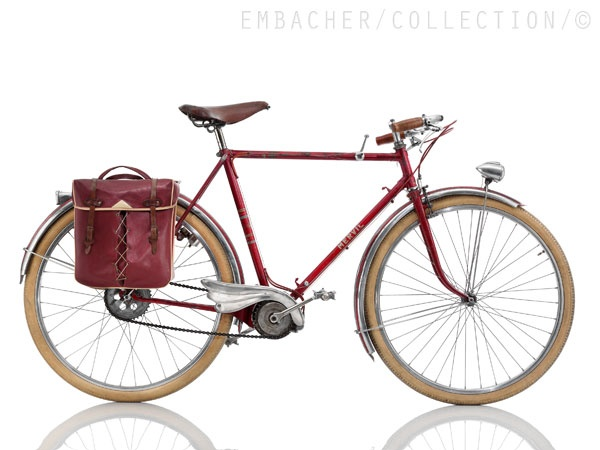 "MERVIL Mervilex  ~1949, FRA  Frame: Steel Varnished  Bicycle gearing:   Brakes: Rim Center Pull / Drum Brake beside Bottom Bracket  Tyres: 26"" Wired tyre / 26"" Wired tyre  Weight: 38,58 lbs"