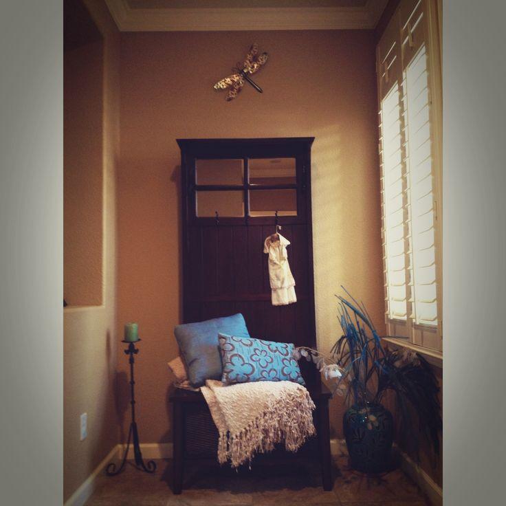 Small entryway decor