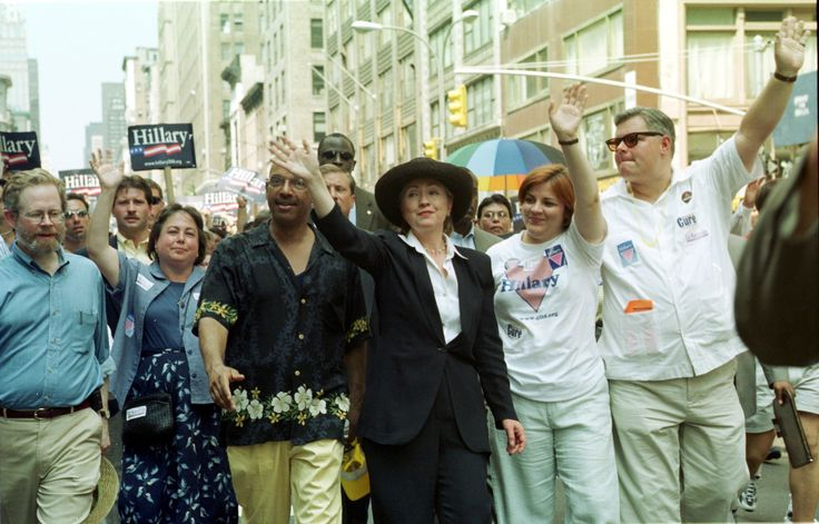 HRC at 30th Gay Pride parade 06.25.2000 NYC  Commemorates1969 Stonewall Inn uprsing, sparking modern gay rights movement #InternationalWomensDay © Chenghui Hsu/Newsmakers @AOL_Lifestyle