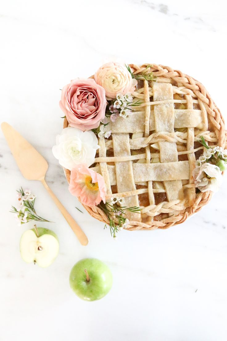 The prettiest apple pie.