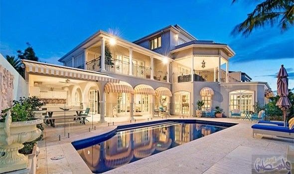 عرض قصر ذو طابع ملكي بقيمة 6 25 مليون دولار Mansions Pool Patio Classic Chandeliers