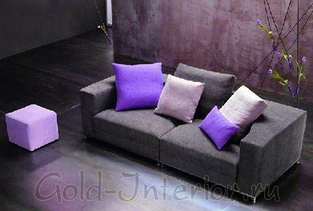 Казалось бы – как превратить обычный раскладной диван в круглую кровать? Итальянские дизайнеры нашли выход и разработали модели круглых кроватей, которые отлично подойдут даже для маленьких отечественных квартир.      В стационарном виде она представляет собой обычный компактный прямоугольный диван.