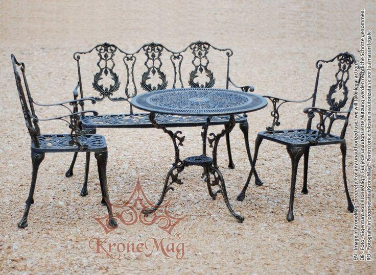 Set mobilier de gradina MESSOLD realizat din aluminiu turnat. Setul de compune din 1 masa de gradina, 2 fotolii de gradina si 1 banca de gradina.