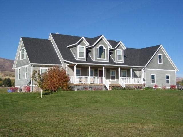 12 best images about front porch ideas on pinterest for Custom cape cod house plans