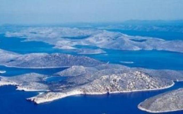 Perché scegliere una vacanza in Croazia La Croazia è sempre più frequentata dagli italiani per le sue bellezze naturali e perché non è cara. L'arcipelago delle Incoronate offre vacanze da sogno all'insegna del mare, escursioni in barca a v #vacanza #estate #viaggi #mare #croazia
