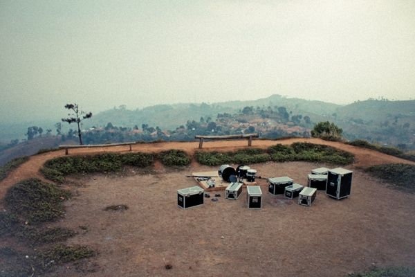 By Ady Nugeraha @madyn_, a combined view of mountain top and music #photography #Indonesia
