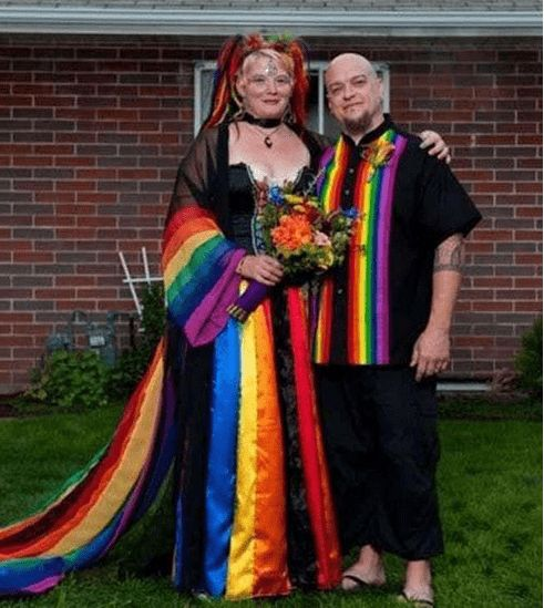 Most Hideous Wedding Dresses: Pin On The Most Outrageous, Inappropriate, Ugliest Wedding