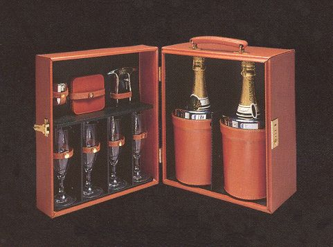 WineChampagneBarWithCoolers.jpg (481×357)