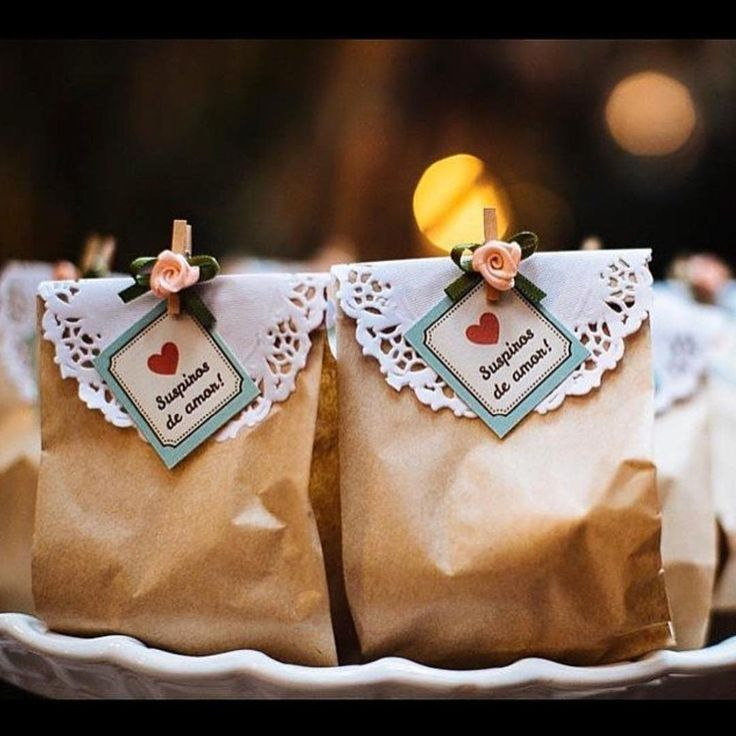 Suspiros de Amor para os convidados terem doces lembranças do grande dia de…