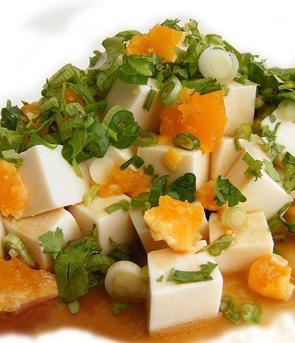 Tofu salade met gezouten eende eieren