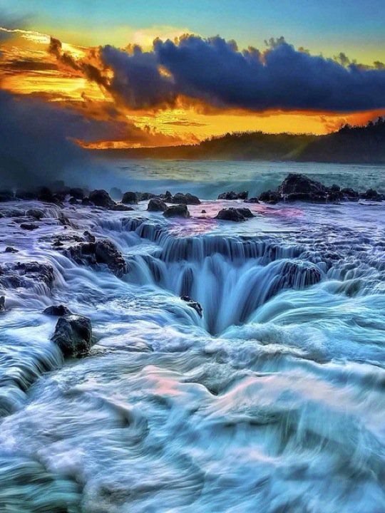 Thor's Well, Cape Perpetua, OR.