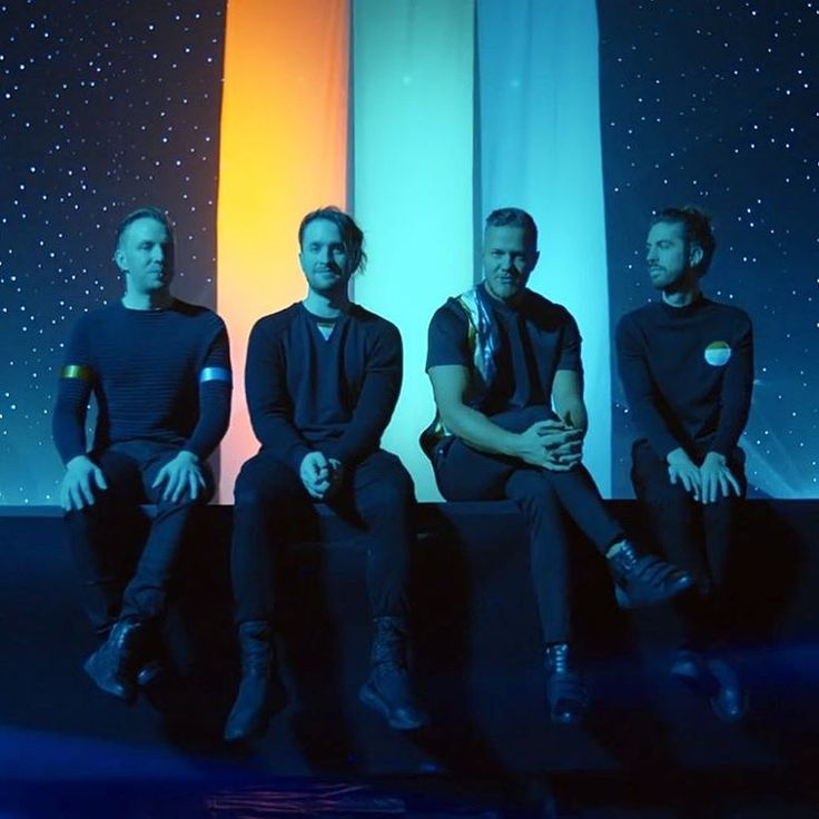"imagine dragons (@imaginedragonsfacts) en Instagram: ""so they're doing a bunch of lowkey promo in europe and tomorrow they might announce smth big in…"""