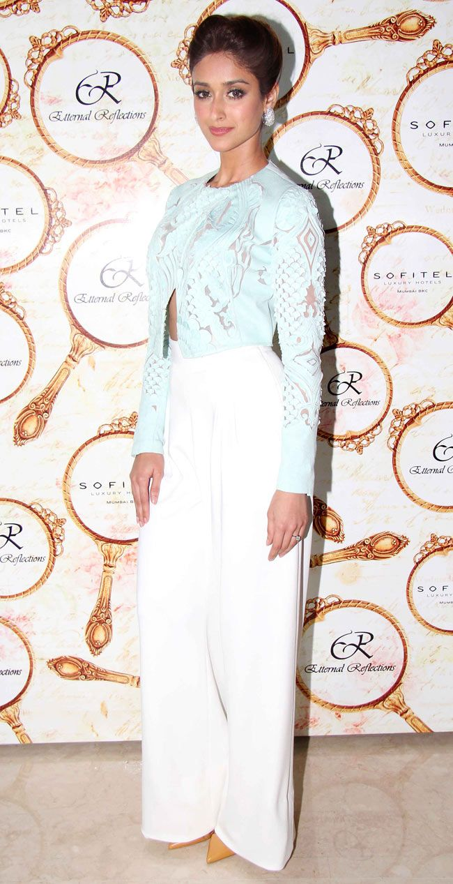 Ileana D'Cruz at the High Tea Jewellery Preview. #Style #Bollywood #Fashion #Beauty