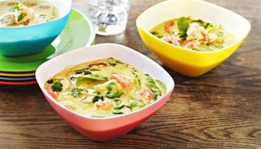 Karri er et favoritt krydder! Grønn karri fiske suppe med torsk og reker bør prøves! Nam... http://www.ultra.no/Fiskern/Oppskrifter-med-fisk/Gronn-currysuppe-med-torsk-og-reker/