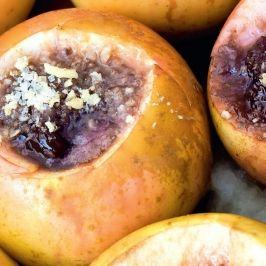 Gyümölcslekvárral töltött sült alma