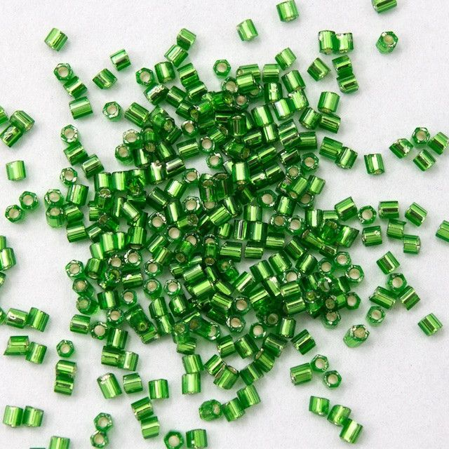 15/0 Silver Lined Grass Green Hex Seed Bead