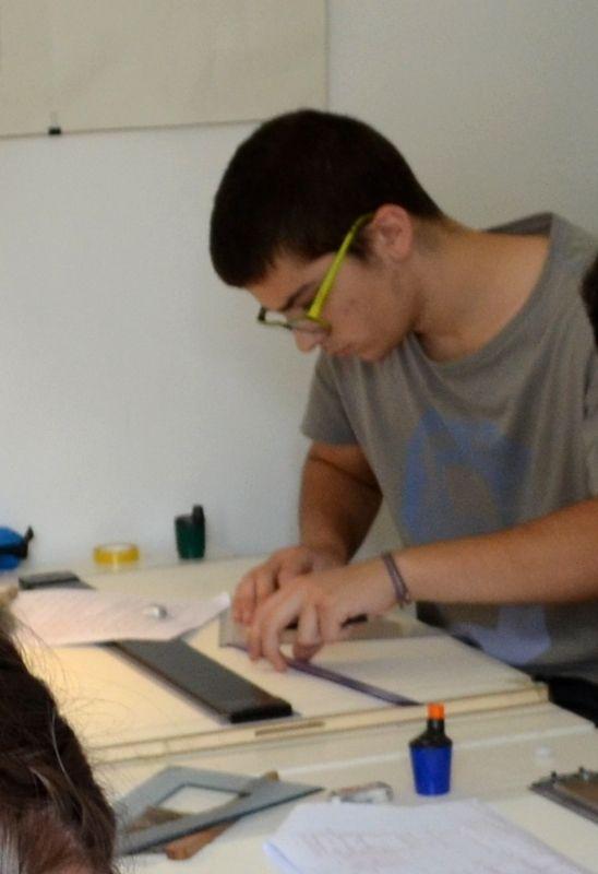 Κυριάκος Ρήγας Επιτυχών Πανελληνίων εξετάσεων 2014-2015 – Αρχιτεκτονική Πολυτεχνείο Κρήτης Εισαγωγή με πανελλήνιες εξετάσεις στο τμήμα Αρχιτεκτονικής Πολυτεχνείου Κρήτης ΗΚυριάκος Ρήγας παρακολούθησε το τμήμα προετοιμασίας για το ελεύθερο και γραμμικό σχέδιο για τις πανελλήνιες εξετάσεις 2015 και είναι επιτυχών, στο τμήμα Αρχιτεκτονικής, του Πολυτεχνείου Κρήτης. Η Κυριάκος είπε για Το Εργαστήρι Σχεδίου και την εμπειρία …