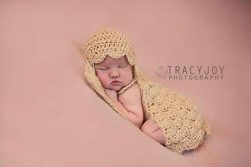 Ravelry: Mini Photo Prop Blanket pattern by Alessandra Hayden
