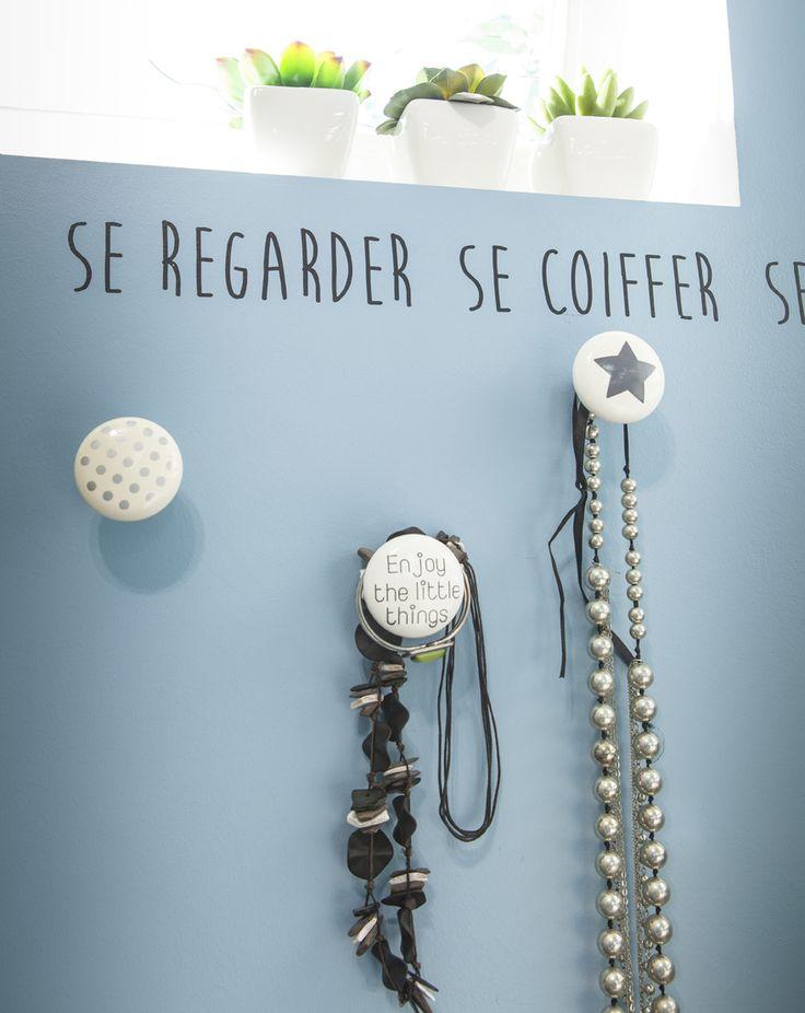 Pour les colliers, les bracelets, dans la salle de bains ou dans la chambre