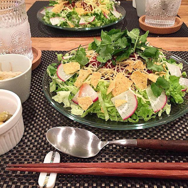 hi_rose80 on Instagram pinned by myThings Today's dinner .  タコライスでこんばんは☺︎ .  冷凍ストックのチリビーンズを使って手抜き〜 .  控えめにしようと思ってたのに、結局てんこ盛り . .  #dinner #homemade #foodie #foodpic #foodporn #夕飯#夕食#晩ごはん#おうちごはん #おうちカフェ #タコライス#kaumo #kurashirufood #新米ママ#男の子ママ #生後8ヶ月 #8ヶ月 #5月生まれ