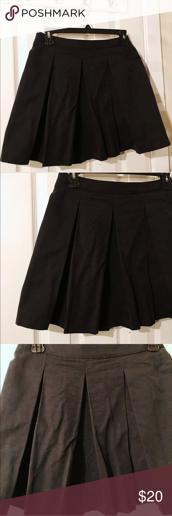 Uniqlo cotton skirt. All black Uniqlo cotton skirt. All black. Zip up to enclose from the back! Size 0. Uniqlo Skirts A-Line or Full