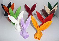 pliage de serviette de table en forme de lapin, table de paques