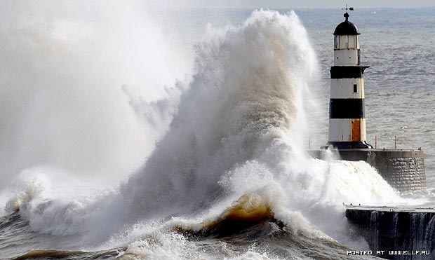 Lighthouse Vs Wave Lighthouses Pinterest Lighthouses